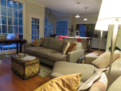 family room. open plan to kitchen