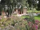Façade SUD avec salon de jardin