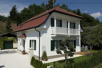 Ferienhaus Kleine Gartenvilla in Pörtschach am Wörthersee - herzlich willkommen!