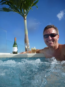 Captain J, enjoying the pool with the best view in Playa!