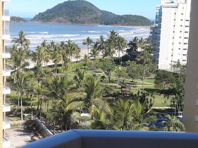 Alugo Apartamento  com vista para o mar à 30mt da praia.  Módulo 03