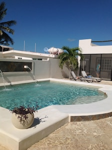 Beautiful over sized private pool
