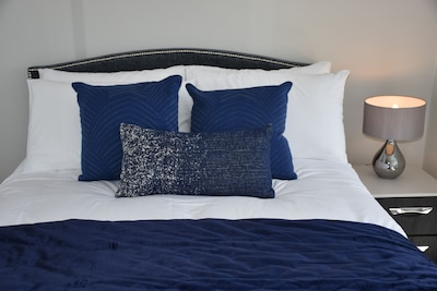 New Listing (Stunning One Bedroom Apartment By Ealing Studios)