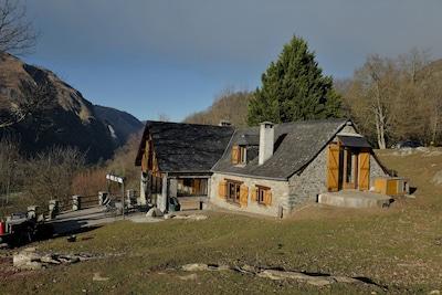 Louvie-Soubiron, Pyrénées-Atlantiques, France