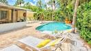 AMI Beach Fun Large Pool with Sunledge