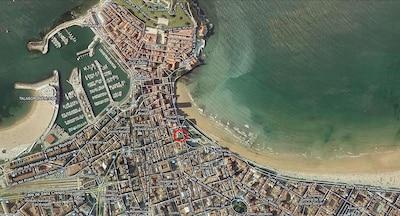 1ª línea de la playa de San Lorenzo -zona Naútico- Centro