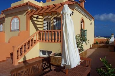 Villa con piscina climatizada privada y bañera de hidromasaje