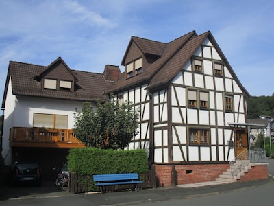 Gemütliche Ferienwohnung für bis zu 4 Pers. in Dillenburg im Lahn-Dill Bergland