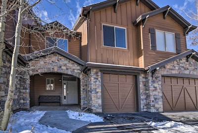 This 3-bedroom, 3.5-bath townhome offers guests all the best of Summit County.