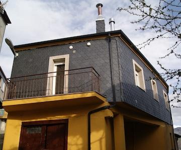 Casa Gelita. Experimenta la tranquilidad en plena montaña de Peña Trevinca