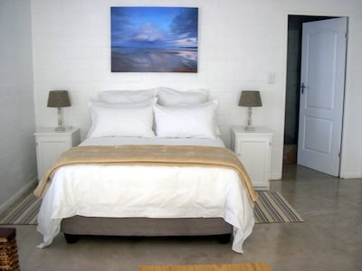 Comfortable double bed with superior linen