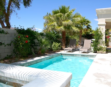 Private Pool Hot Tub Located In Beautiful Puerta Azul La Quinta