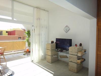 TF del Sur, San Isidro, SuperApt. 90 metros cuadrados recientemente renovado. Nueva Moblie, 2 Dormitorio