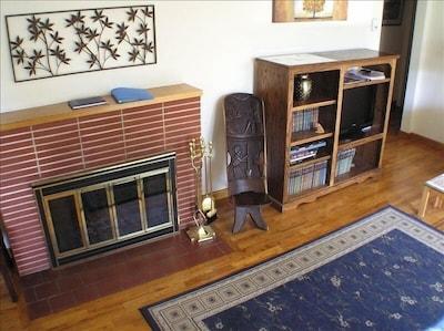 Fireplace, Flat-screen TV,  Free WiFi, and Plenty of Good Books