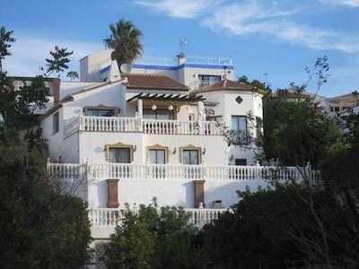 Villa privada con piscina, a 4 minutos a pie de la playa de El Faro, red de fibra