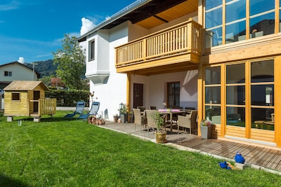 Balkon und Terrasse mit Garten