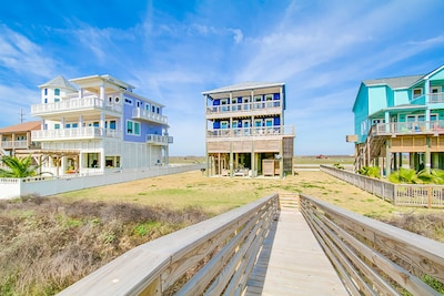 Beachfront 5 Bedroom 3.5 bath home - Private Dune Walkover to the beach.