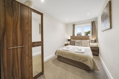 02 - London Heathrow Living Serviced Apartments by Ferndale - Apt 02