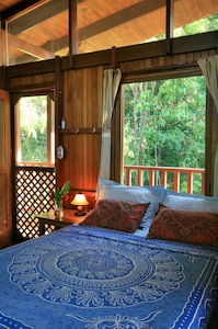 The master bedroom is very well ventilated, and has perfect privacy.
