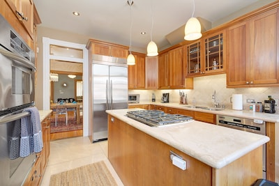 Kitchen with Stainless Steel Appliance on the Main Level