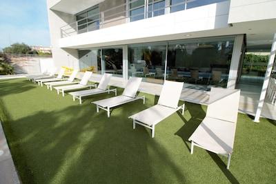 Luxus Villa Beach & Golf Alicante von 500 m2 mit privatem Pool, Garten.