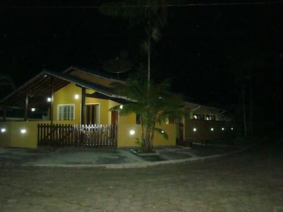 3 quartos em cond. Fechado em Caragua Praia Mococa - 1 suite