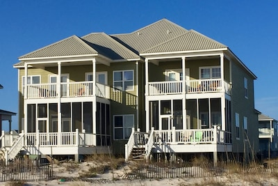 Beachfront Luxury  directly on the Gulf of Mexico!