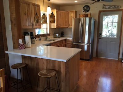 Newly remodeled kitchen, pro photos coming soon.
