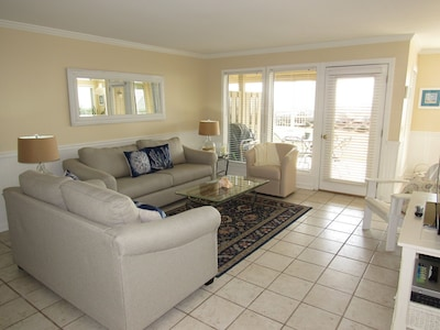 Tastefully decorated with new furniture and awesome ocean views.