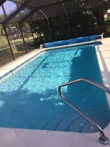 sparkling privatee heated pool