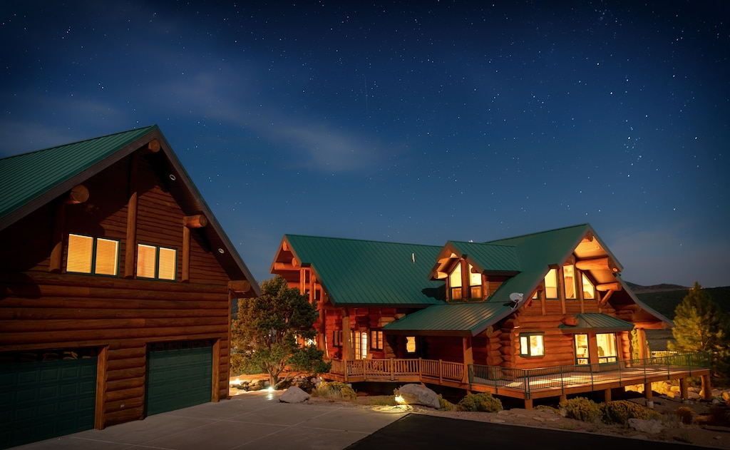 The Place To Hold Your Next Family Reunion - Sleeps 36 ...