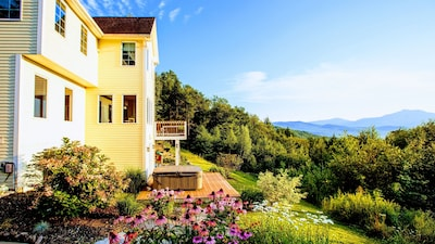 """""""The view from the sundeck was spectacular. Villa Ausblick deserves it's name."""""""
