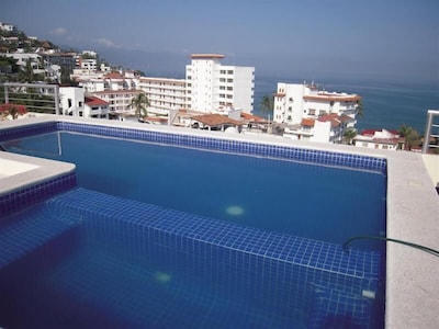 Rooftop Pool with 360 degree Views!!