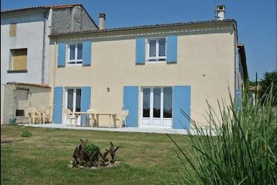 Saint-Genis-d'Hiersac, Charente, France
