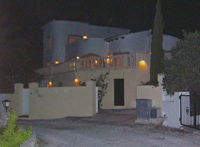 Villa Shirles at night