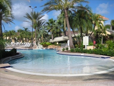 Shallow entrance to lazy river
