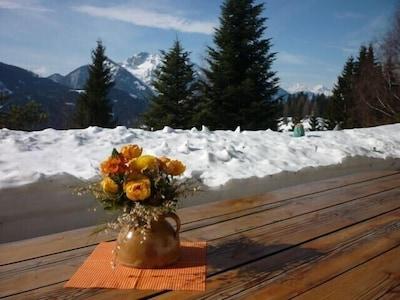 Die Sonnenterrasse, hier im winterlichen Look