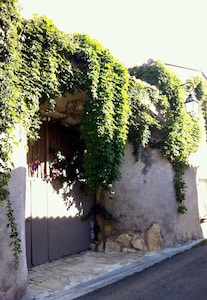 Milhaud, Gard, France