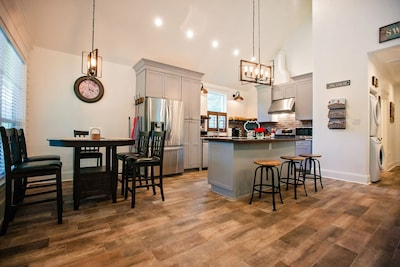 Common area. Kitchen, Dinning and island
