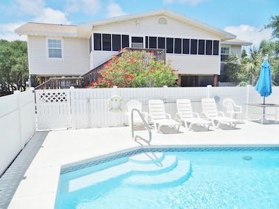 Mirabella! A cheery, spacious, and beachy island vacation home!