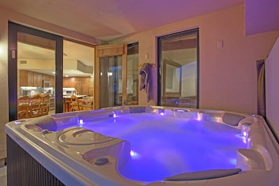 Private 8 person hot tub on covered lower balcony (new hot tub as of May 2016)