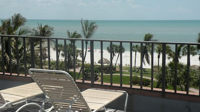 Uncomparable view from your private rooftop sundeck