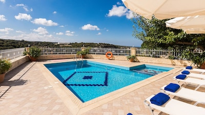 40 square meters private swimming pool, partly separated for young children
