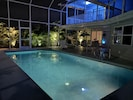 Villa Colleen Poolside night