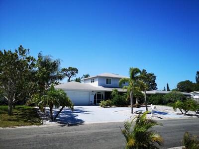 Villa Colleen front