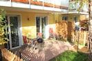 Terrasse mit Sandkasten