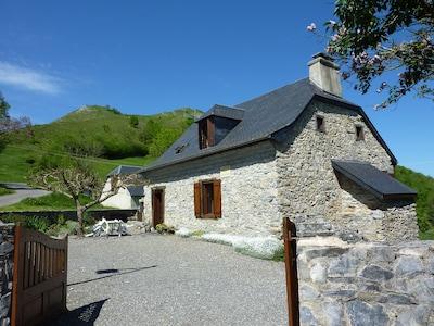 Germs-sur-l'Oussouet, Hautes-Pyrénées, France