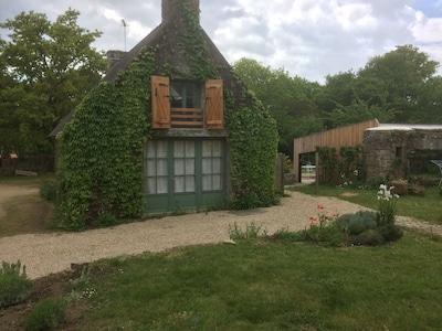 maison bretonne alliant tranquillité de la campagne et proximité de la mer