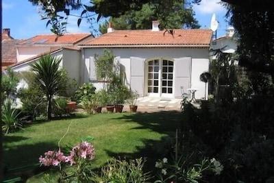 façade vue du jardin