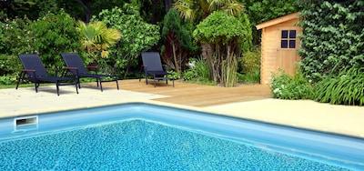 grande piscine privée 12 m x 6 m